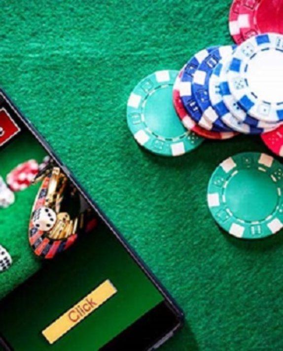 Why People Love Gambling Online?