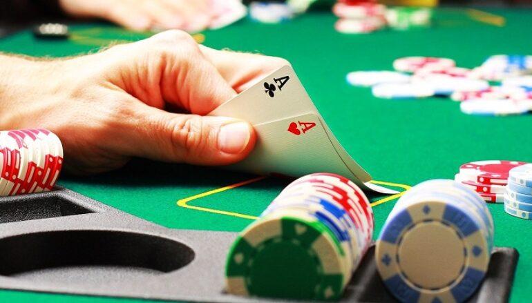 Online Football Gambling and Online Casino Websites